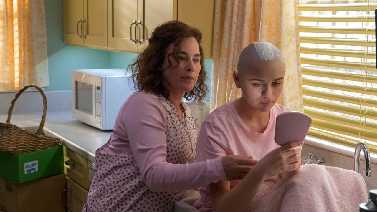Joey King head shaved