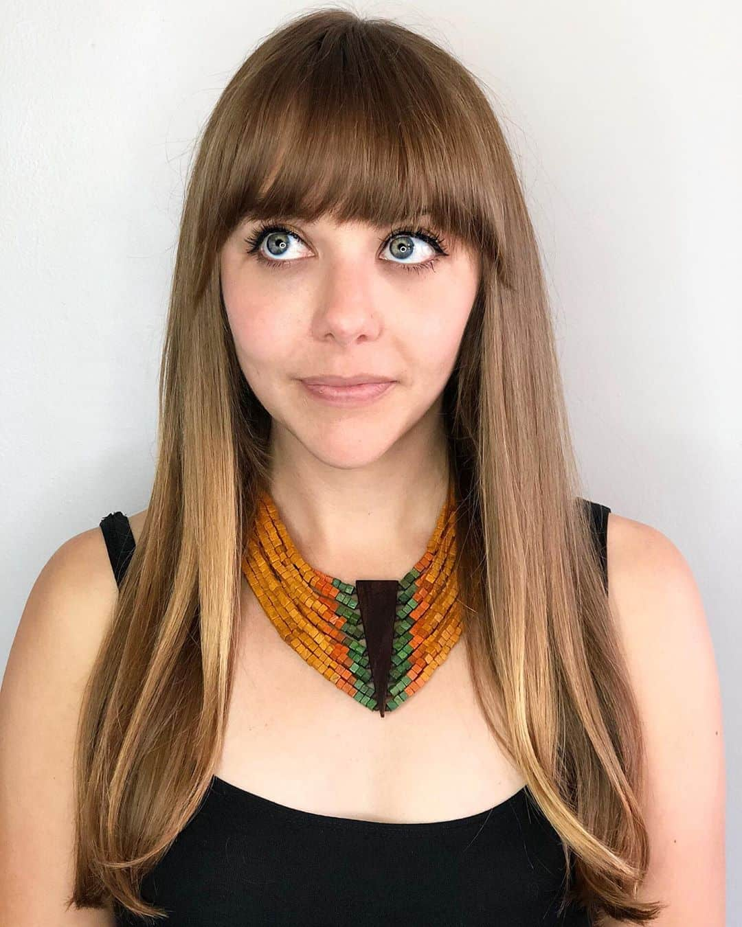 Rounded Fringe With Straight Hair