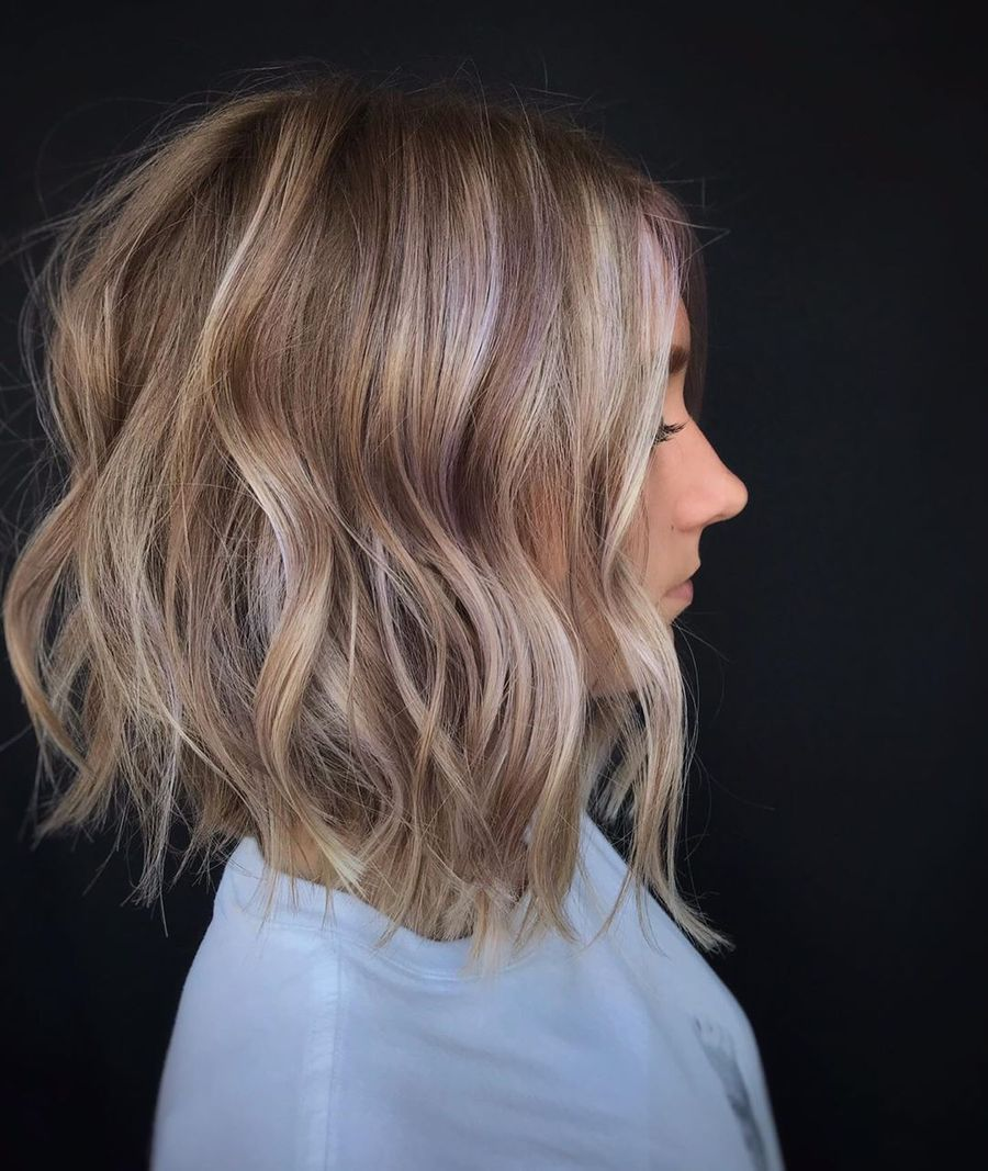 Textured Lob With Subtle Pink Highlights
