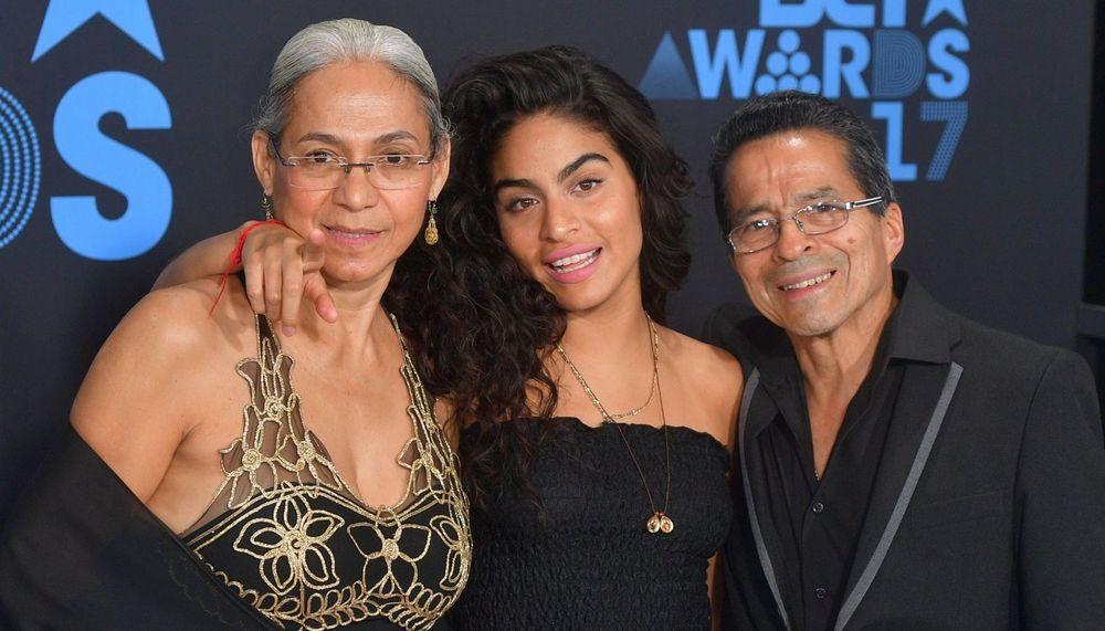 Jessie Reyez parents